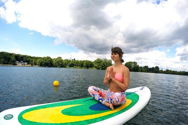 SUP Yoga fuer Triathletinnen