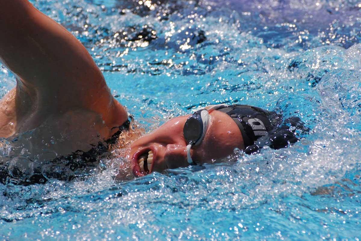 Wie atmet man beim Schwimmen richtig