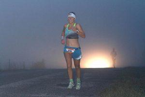 Steffi Steinberg läuft 84 Kilometer beim Ultraman Florida und gewinnt das Rennen