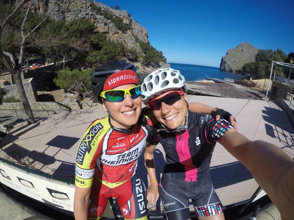 Frauenpower beim Radtraining auf Mallorca –tritime women Botschafterinnen Jenni und Luisa