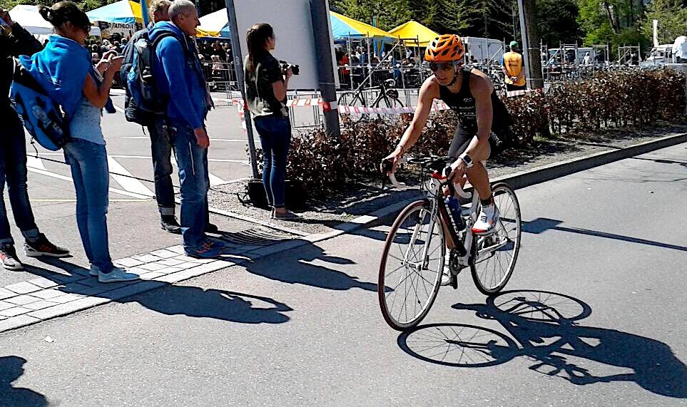 Radfahren beim Triathlon