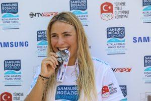 Nathalie Pohl wird zweite beim Bosporus-Schwimmen