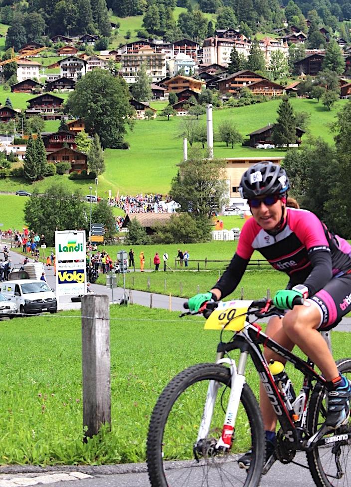 Simone beim Inferno Triathlon auf der MTB-Strecke