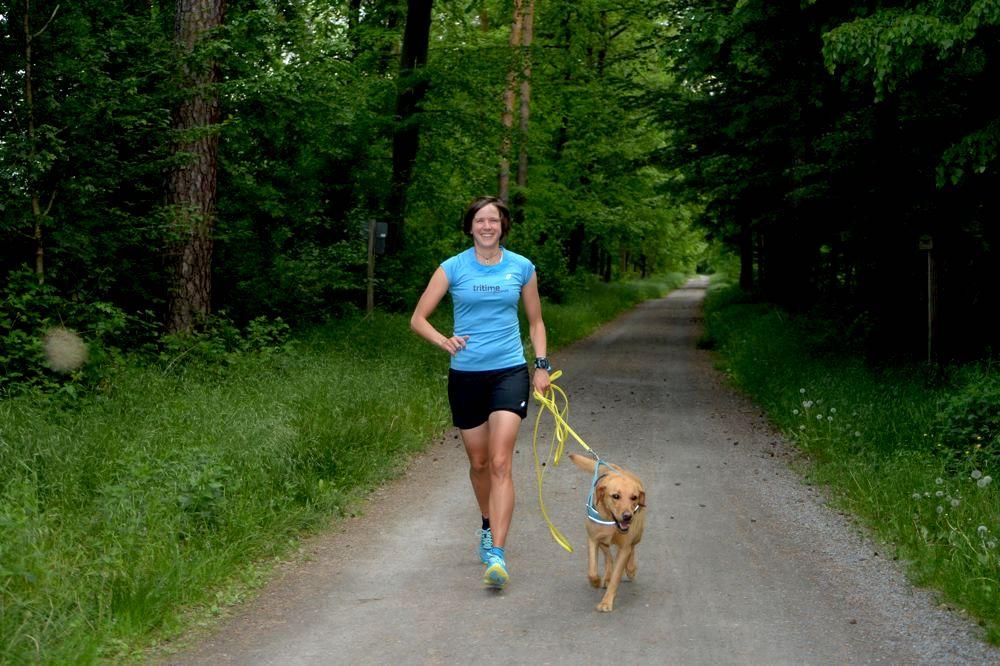Katrin Schuhen mit ihrem Hund