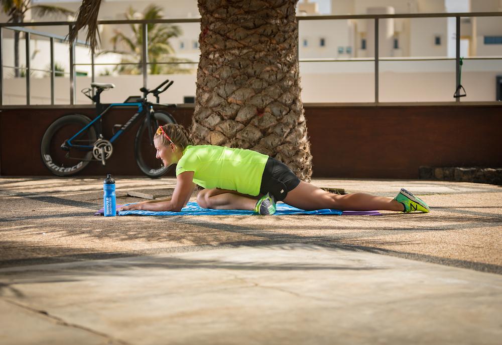 Dehnung der seitlichen Muskelkette der unteren Extremität