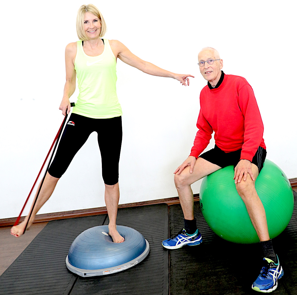 Antje mit Helmut im Fitness-Studio