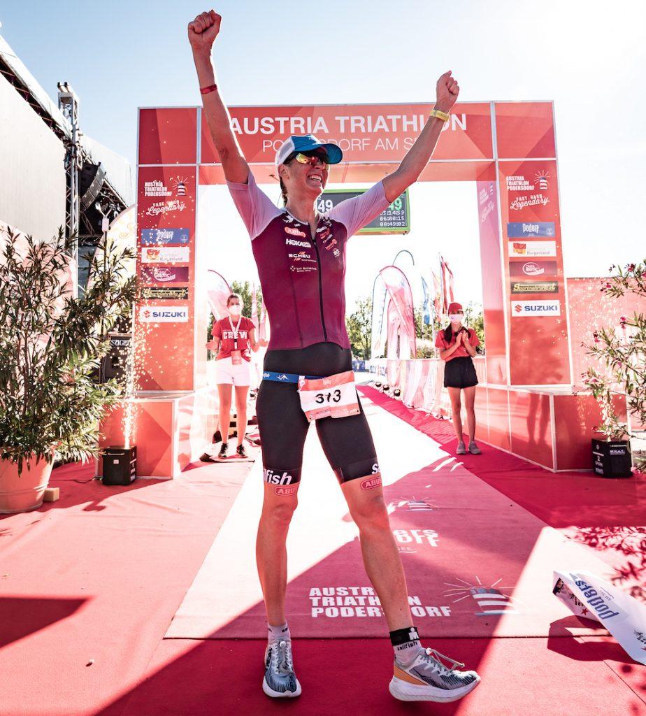 Triathletin Verena Walter siegt bei der Langdistanz in Podersdorf