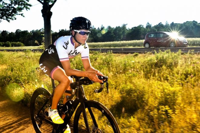 Svenja Mann beim Radtraining